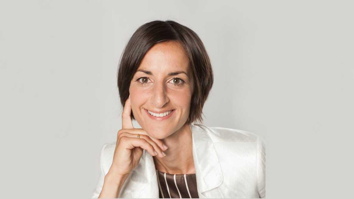Cikk angolul: An interview with Dr. Maria Csillag (Budapest) – the creator of Smylist®